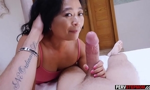 Oriental cougar mature stepmom knows what is rout be advantageous to him