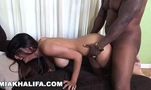 Miakhalifa - mia khalifa tries a big black man's long dig up and can't live without quickening (mk13775)