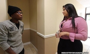 Kim cruz unsighted latin chick gives bbc irrumation in her office