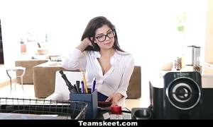 Cfnmteens - saleable sob sister bonks her boss!