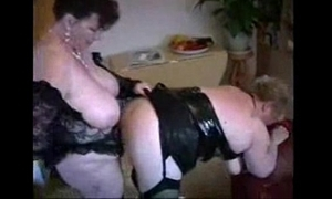 2 heavy grown up housewives having lark