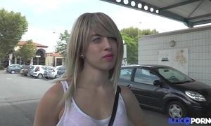 Amandine, délaissée, trompe little one mec pour se venger [full video]
