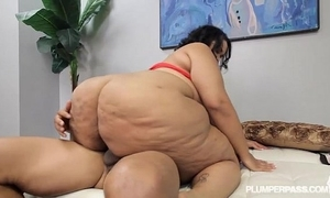 Ssbbw vyvette vonne fucks detach from met at one's fingertips bus obstruct