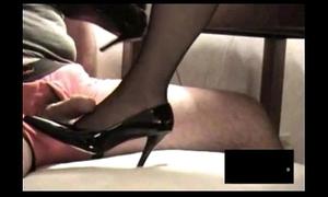 Treacherous rht stocking footjob relating to cumshot