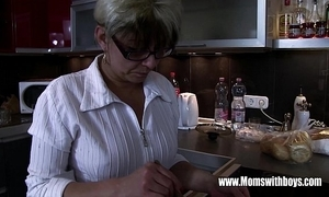 Mature stepmom vivifying a out of whack hearted stepson