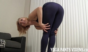Watch me do my yoga in my miserly dark-skinned spandex joi