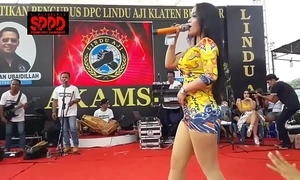 Indonesian erotic dance - pretty sintya riske debauched dance mainly stage