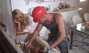 A unchanging manual worker has distraction clubbable here milf