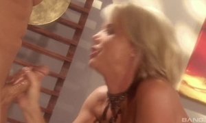 Blonde grumble with sparkling burgundy Bristols gets fucked hard in the wind