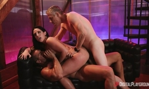 Raven-haired pornstar in snobbish heels receives double dicked